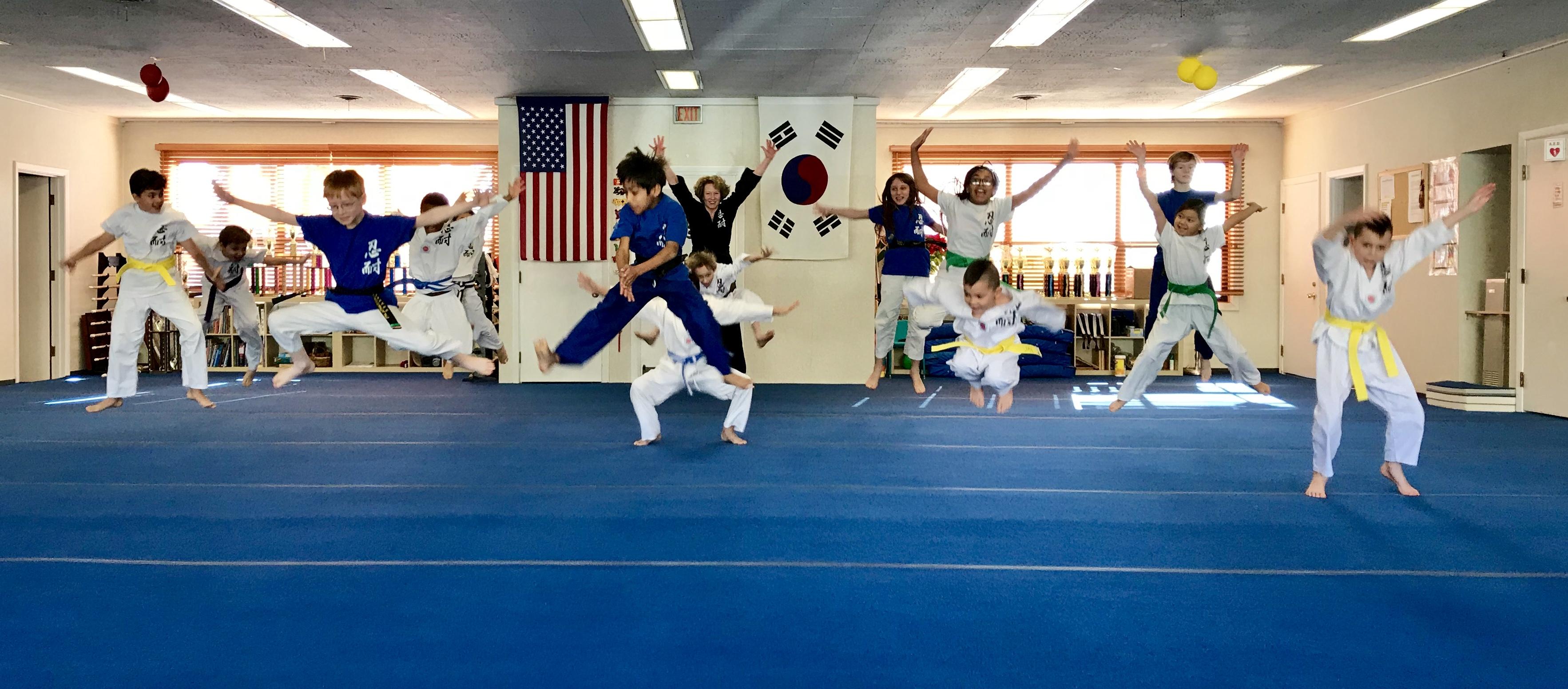 Kids-Jumping-Master-Yu
