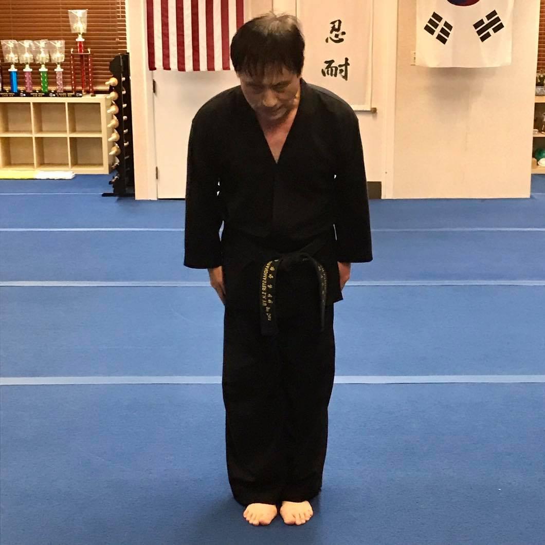 Master S.H. Yu Bowing